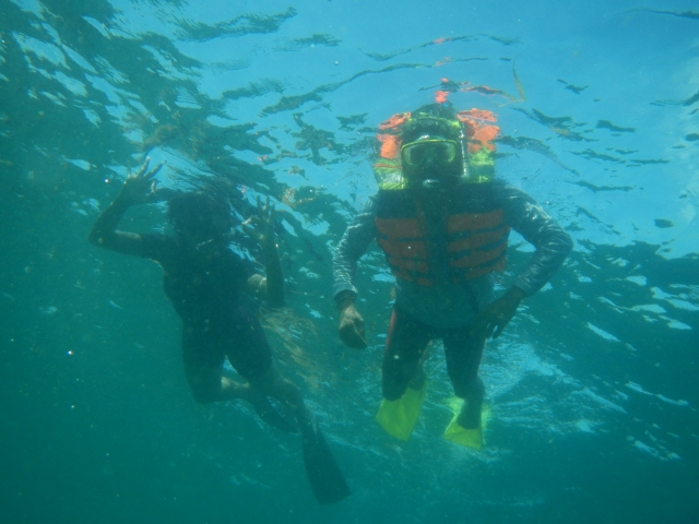 Pose in the middle of the sea with Nanda
